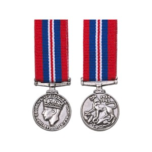 War Medal 1939-45 - Miniature